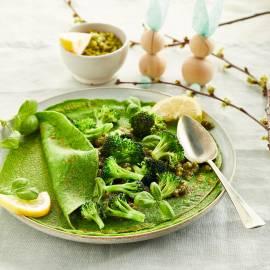Spinaziecrêpes met broccoli en pistachepesto