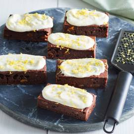 Courgettebrownies met citroenfrosting