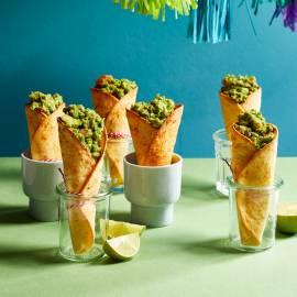 Tacohoorntjes met guacamole