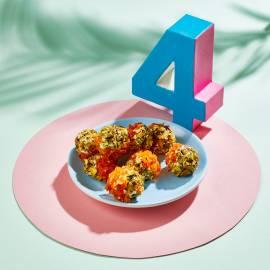 Abrikoos-pistacheballetjes van geitenkaas