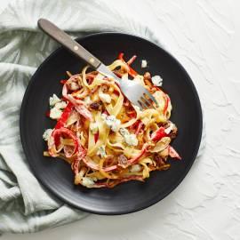 Pasta met puntpaprika en gorgonzola