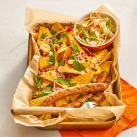 Grillworstjes met nacho's en koolsla
