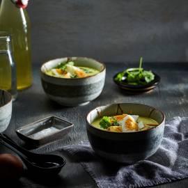 Aziatische eiersoep met paksoi en koriander