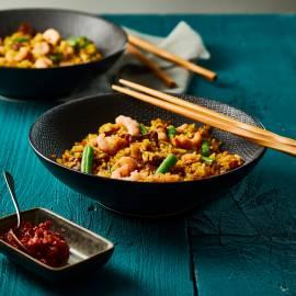Rijstschotel met spek en garnalen