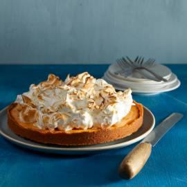 Grapefruit-meringue pie