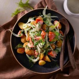 Lauwwarme krieltjessalade met venkel en zalm