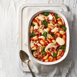 Gegratineerde gnocchi met kip en champignons