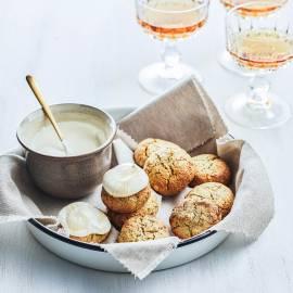Rozijnenkoekjes met room en honing
