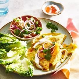 Vietnamese banh xeo met mihoen en kip