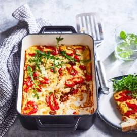 Ovenfrittata met zongedroogde tomaatjes en mozzarella