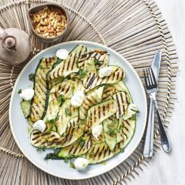 Courgettesalade met mozzarella