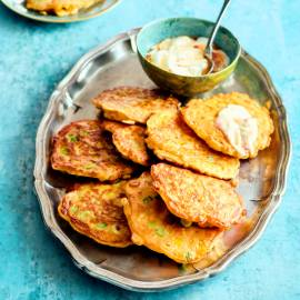 Maiskoekjes met chilidip
