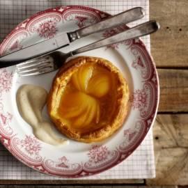 Abrikozentaartje met custardsaus