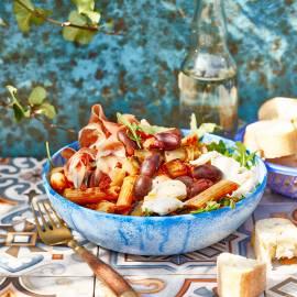Pastasalade met aubergine, ham en mozzarella