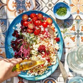 Parelcouscous-salade met bietjes en feta