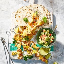 Tortilla met garnalen-ananassaté