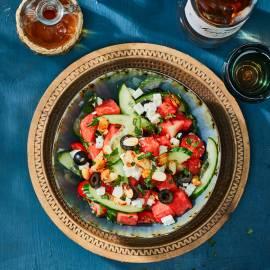 Watermeloensalade met pittige amandelen