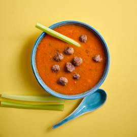 Tomaten-groentesoep met balletjes
