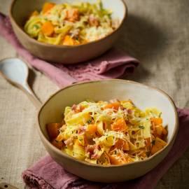 Tagliatelle met pompoen en pancetta