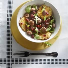 Bietensalade met worst en reibekuchen