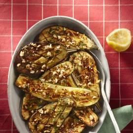 Courgette en aubergine met hazelnotenolie