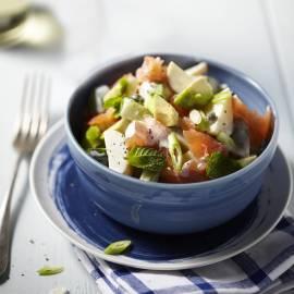 Frisse aardappelsalade met gerookte zalm